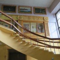 Лестница в музее камней :: Вера Щукина