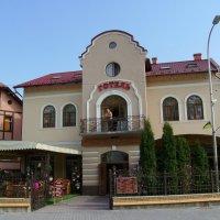 Гостиница   в   Трускавце :: Андрей  Васильевич Коляскин