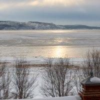 Жигулёвское море замерзает... :: Ксения Порфирьева