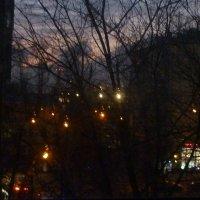 Городские огни под окном :: Татьяна Юрасова