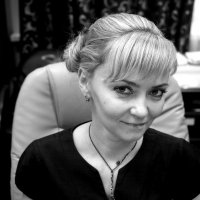 Портрет Анны в интерьере :: Михаил Зобов