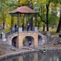 Китайский мостик - место для поцелуев :: Валентина Данилова