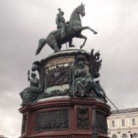 Памятник императору :: Svetlana Lyaxovich