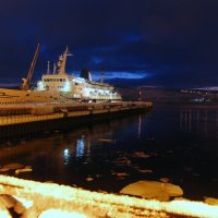 Морской вокзал Мурманска :: Владимир Стаценко