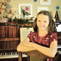 портрет у пианино :: Мария Климова