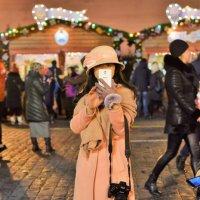 Очень хорошенькая барышня на Красной площади! :: Татьяна Помогалова