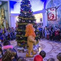 Новогодняя елка для детей инвалидов :: Леонид Железнов