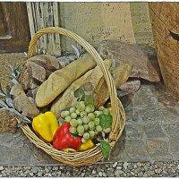 краюха хлеба, виноград и почти Италия :: Natalia Mihailova