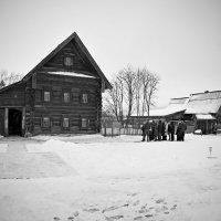 Суздаль. Двухэтажный дом в музее деревянного зодчества и крестьянского быта... :: Николай Смольников