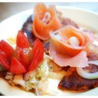 Драники, сёмга, салат из капусты... :: ака Японец