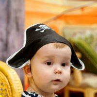 Главная пиратка семьи ) :: Николай Хондогий