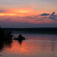 Закат.На рыбалке. :: Владимир Гришин