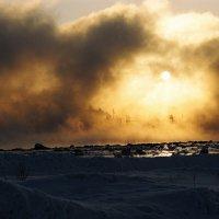 Туман над заливом. :: Владимир Стаценко