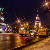 Утренние огни города :: Юрий Стародубцев