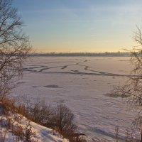 Ледяное покрывало реки :: val-isaew2010 Валерий Исаев