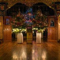 В ожидании ночного праздничного богослужения на Рождество Христово :: Ксения Порфирьева