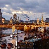 Рождественский вечер в Москве :: Леонид Иванчук