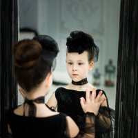 У зеркала :: Ирина Вайнбранд