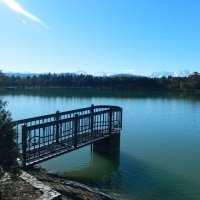 Смотровой мостик на озере :: Виталий Купченко