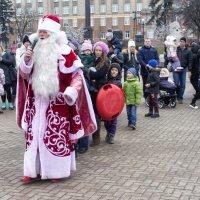 Дед Мороз и дети :: Михаил Почкалов-Семченков