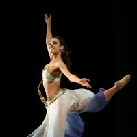 Характерный народный танец :: Светлана Яковлева