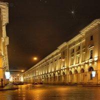 Этот город бессонный, похожий на сон, где сияющий шпиль до звезды вознесён...... :: Tatiana Markova