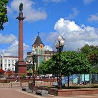 Площадь города :: Сергей Карачин