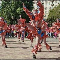 Танцуем все! (Празднование дней города) :: Юрий ГУКОВЪ