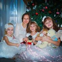 Мама и дочки :: Tanya Petrosyan
