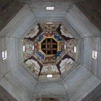 Небо деревянной церкви в Торжке :: Татьяна Сапрыкина