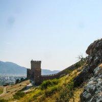 Генуэ́зская крепость :: Сергей Михайлович