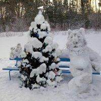 На скамейке :: Александр Михайлов