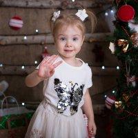 Озорной привет от девочки :: Valentina Zaytseva