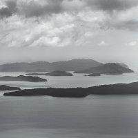 Где-то на границе Индийского и Тихого океанов... :: Edward J.Berelet