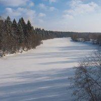 Река Дубна под январским снегом. :: Виктор Евстратов