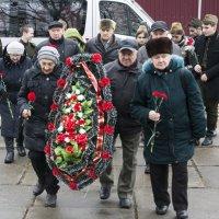 возложение цветов :: Мария Кузнецова (Суворова)