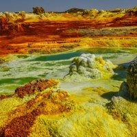не вероятные краски кратера вулкана Даллоль :: Георгий