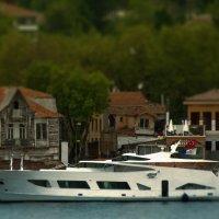 across Istanbul Strait :: Сергей Собиневский