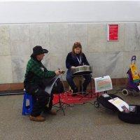 Поющая пила и мелодичный барабан :: Андрей Лукьянов