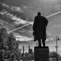 Памятник М. Горькому( Санкт-Петербург) :: Игорь Свет