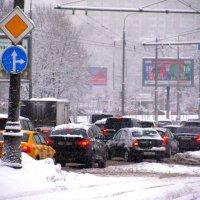 Зима вокруг дома моего. Автомобильные пробки на Варшавке. :: Владимир Драгунский