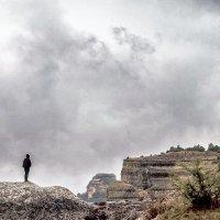 Бахчисарая дождливые скалы... Гора Крокодил... :: Сергей Леонтьев