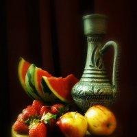 C фруктами и кувшином... :: Пётр Галилеев