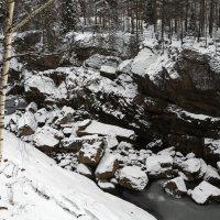 Зимнее ущелье :: Aнна Зарубина
