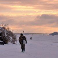 Рассвет на Волге, рыбацкие будни :: Николай Белавин