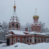 Знаменский храм в городе Красногорск-2 :: Андрей Бондаренко