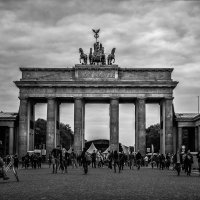 Бранденбургские ворота :: Александр