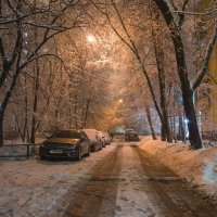 Зимний вечер в  нашем дворе... :: Александр Лебедевъ