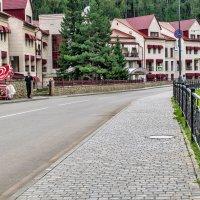 Улица в Белокурихе :: Юрий Борзов