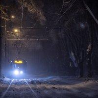 Ночь, снег, фонарь, трамвай :: Fuseboy
